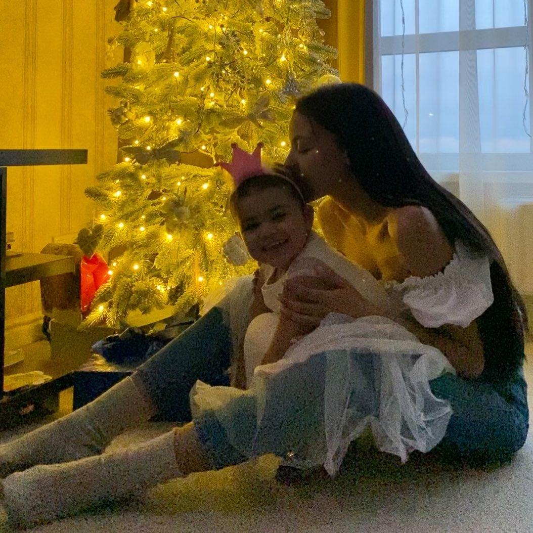 Экс-супруга рэпера Сереги Полина Ололо впервые за год пообщалась с сыновьями - фото №2