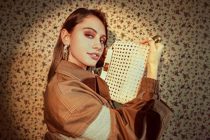Дочь актера Джуда Лоу стала лицом новой рекламной кампании Fendi (ФОТО) - фото №4