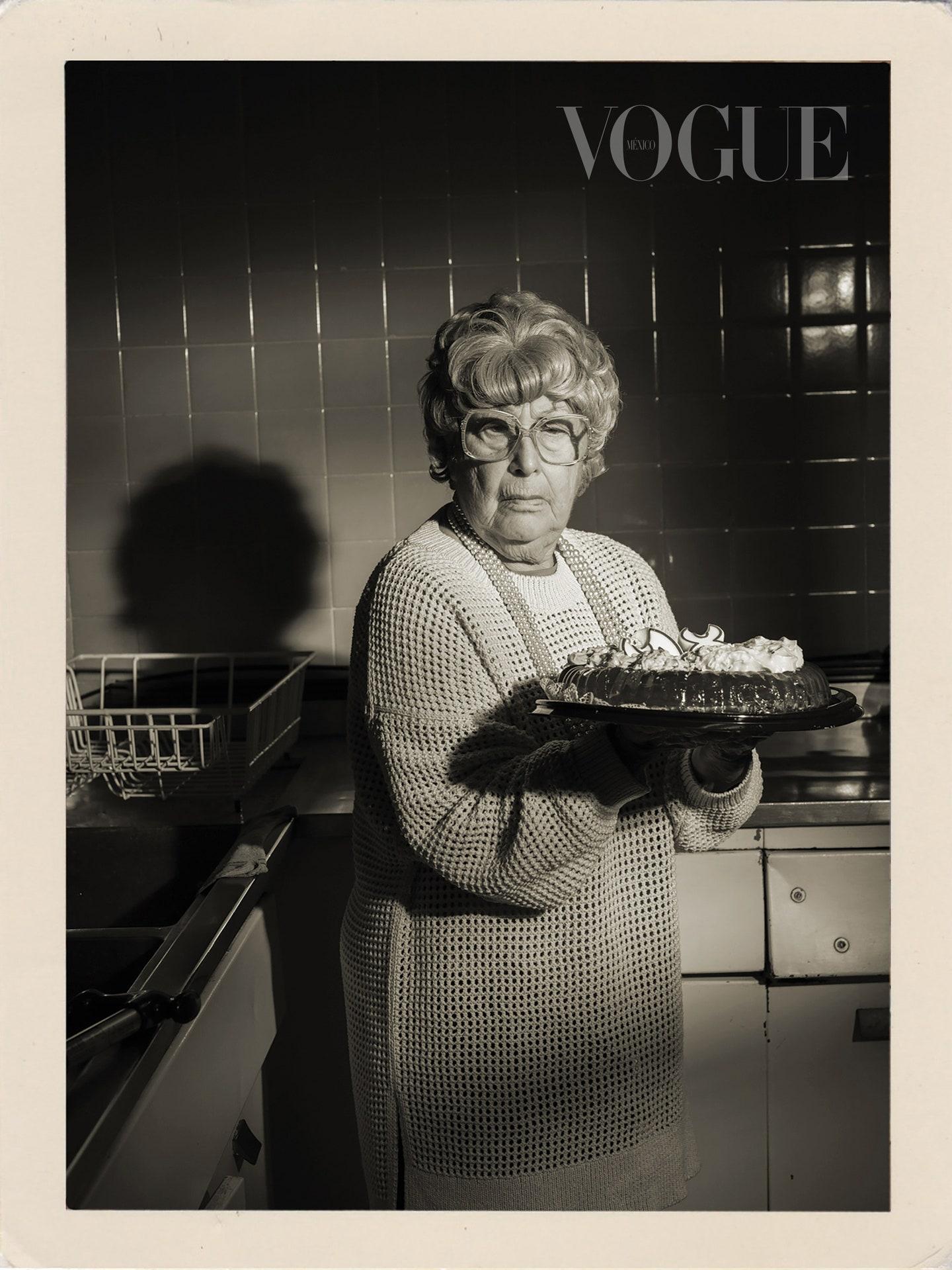 Обложка дня: мексиканский Vogue поместил на обложку бабушек своих сотрудников (ФОТО) - фото №2