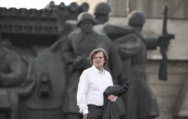 Киев в кино — глазами иностранцев: на ВДНХ хоронили Сталина, а главную библиотеку страны брали штурмом - фото №8
