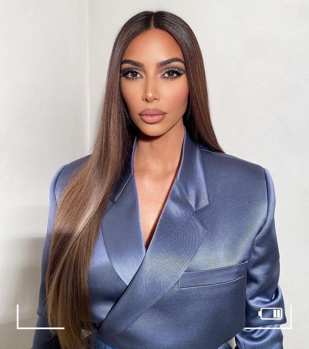 Жидкие волосы: повторяем прическу, от которой без ума звезды Голливуда - фото №2