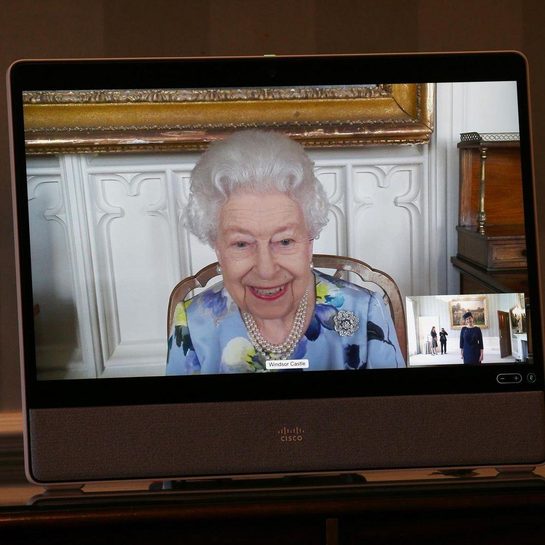 Елизавета II провела первую рабочую встречу после смерти мужа (ФОТО) - фото №1
