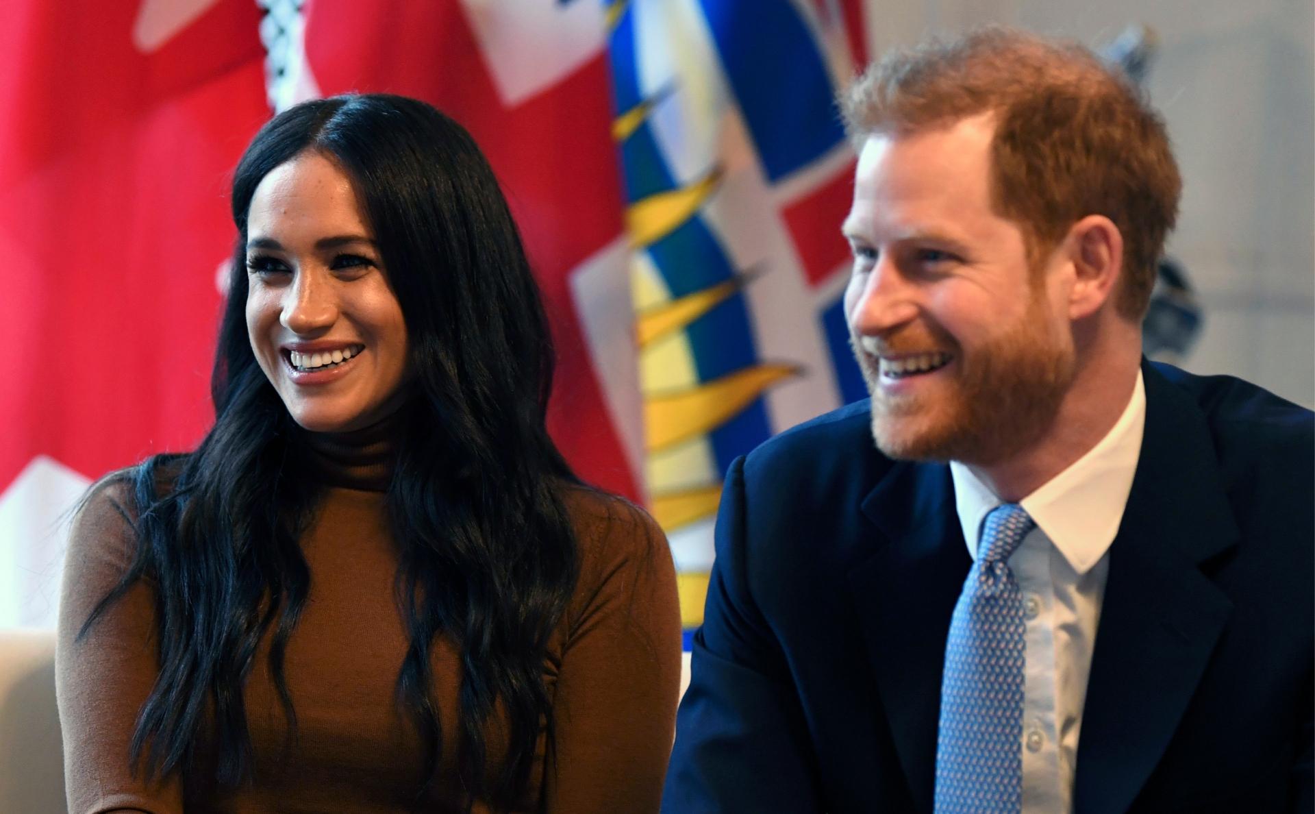 Принц Гарри и Меган Маркл остались покровителями пяти организаций - фото №2
