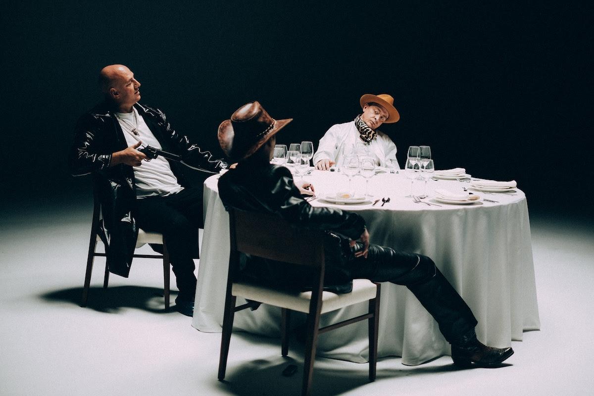 """Премьера! MOZGI зажгли с горячими девушками в новом клипе """"Chica Bamboni"""" (ВИДЕО) - фото №2"""