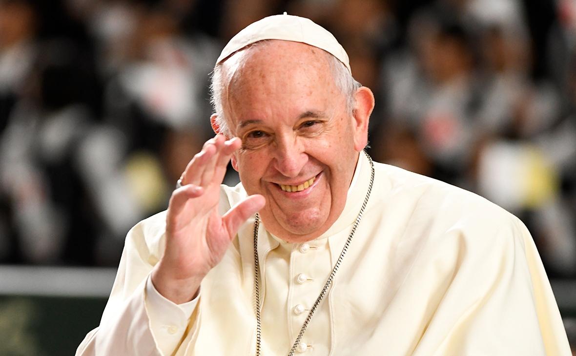 Папа Римский просит молиться за покорность искусственного интеллекта и роботов людям - фото №2