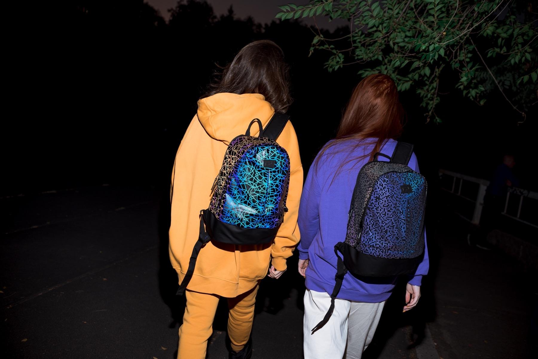 Светоотражающие рюкзаки: зачем они нужны и где их купить - фото №2