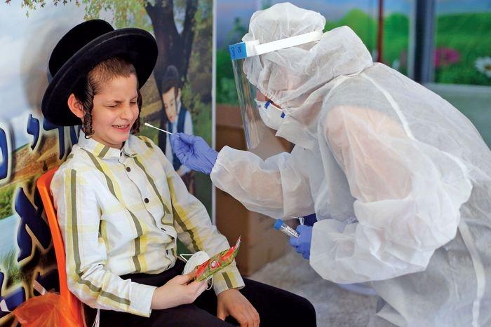 Снова в школу? New York Magazine показали, как проходит учеба в разных странах во время коронавируса (ФОТО) - фото №7