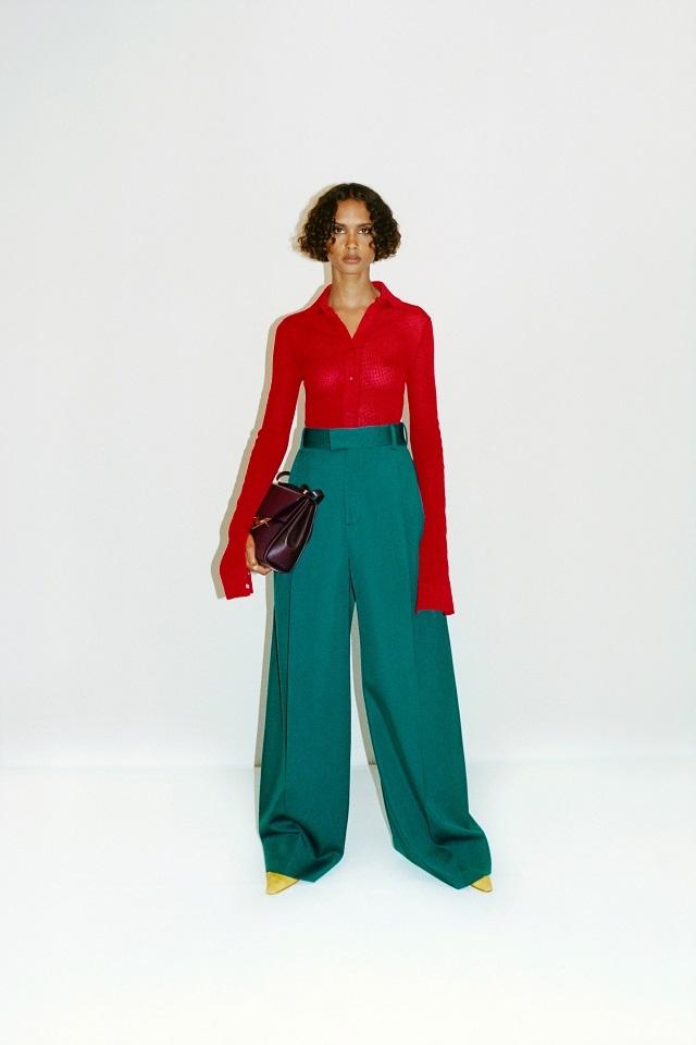 Махровый халат, бабушкин свитер и трикотаж: Bottega Veneta показали, какую одежду носить после карантина (ФОТО) - фото №5