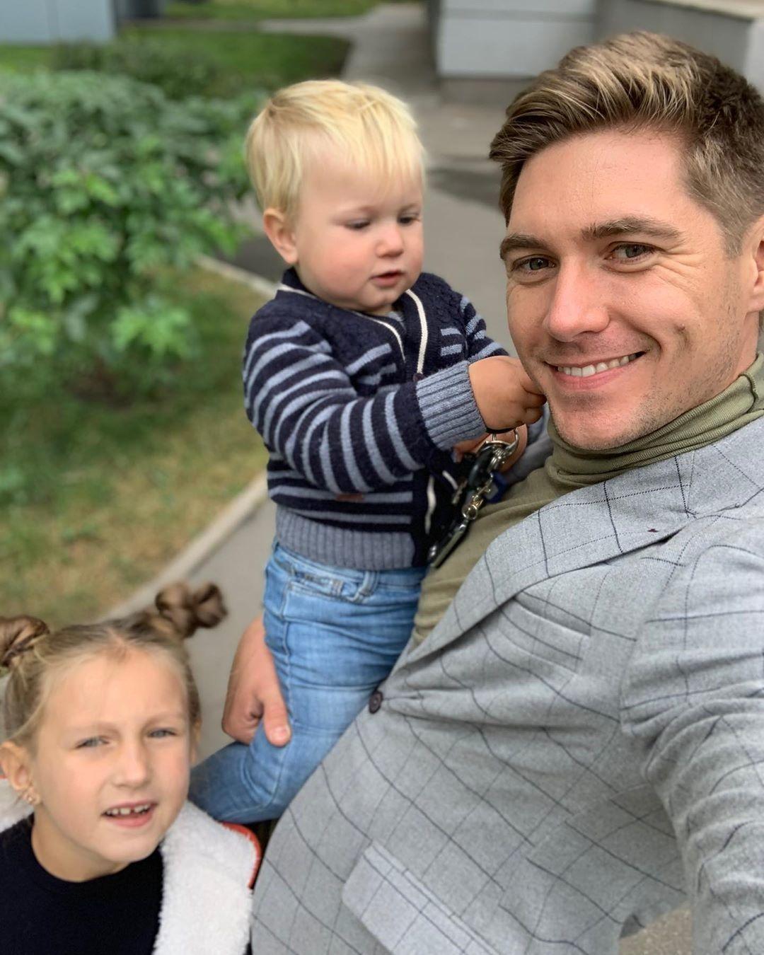 Не могут поделить детей: Владимир Остапчук написал заявление на экс-жену - фото №3