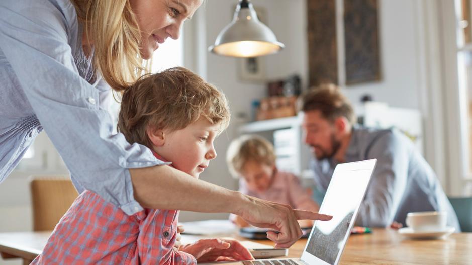 Google представил новый сайт для родителей, которые воспитывают детей в цифровом пространстве - фото №3