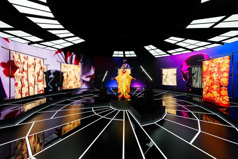 Высокие технологии и виртуальная реальность. В TikTok пройдет Неделя моды с известными дизайнерами - фото №1