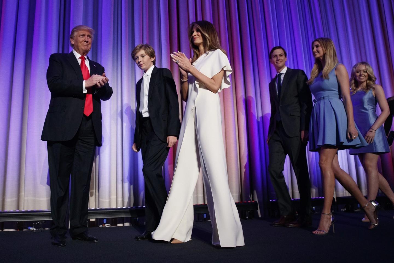 Мелании Трамп — 50! Вспоминаем лучшие образы первой леди США (ФОТО) - фото №2