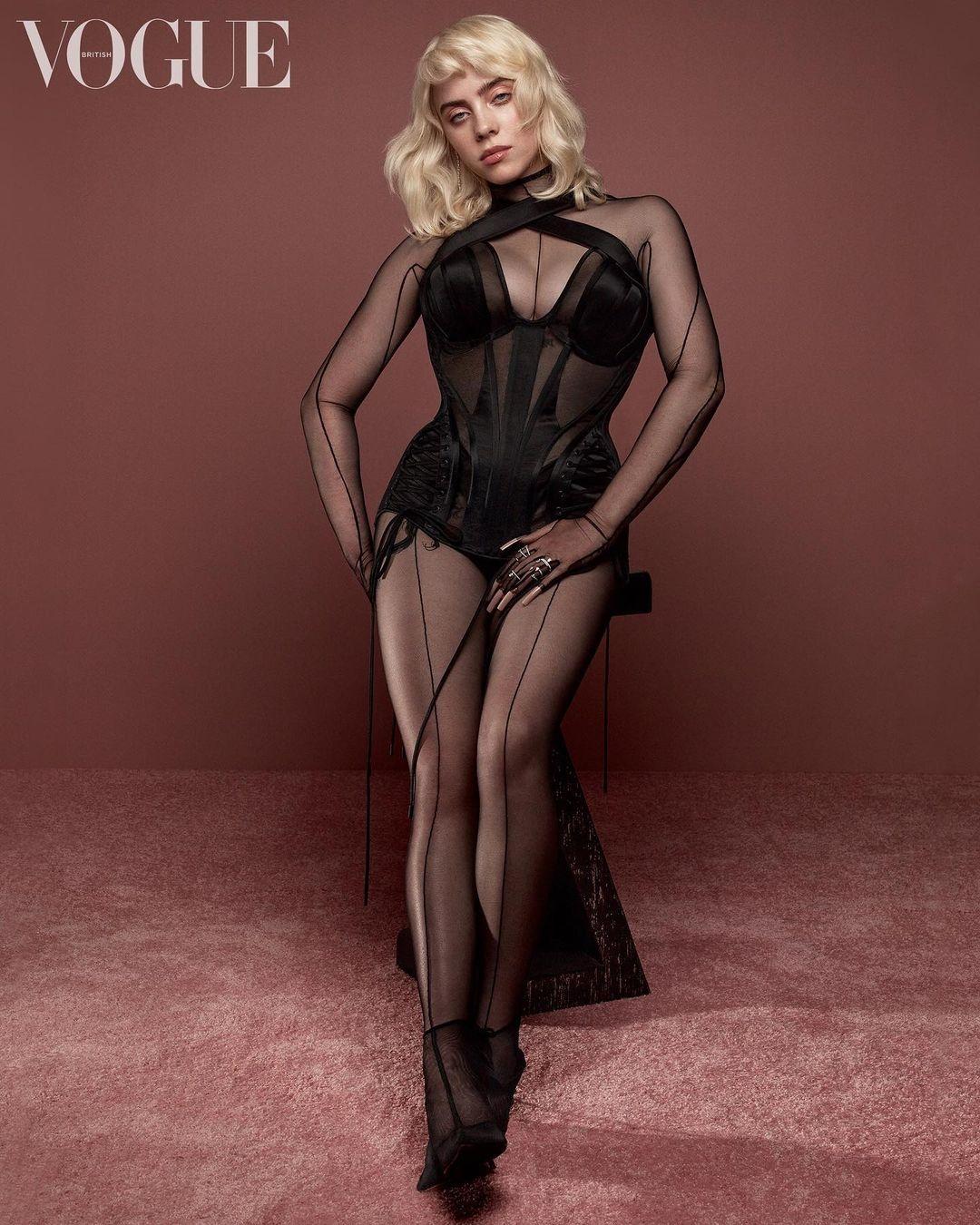 Больше никакого оверсайза: Билли Айлиш украсила обложку британского Vogue - фото №2