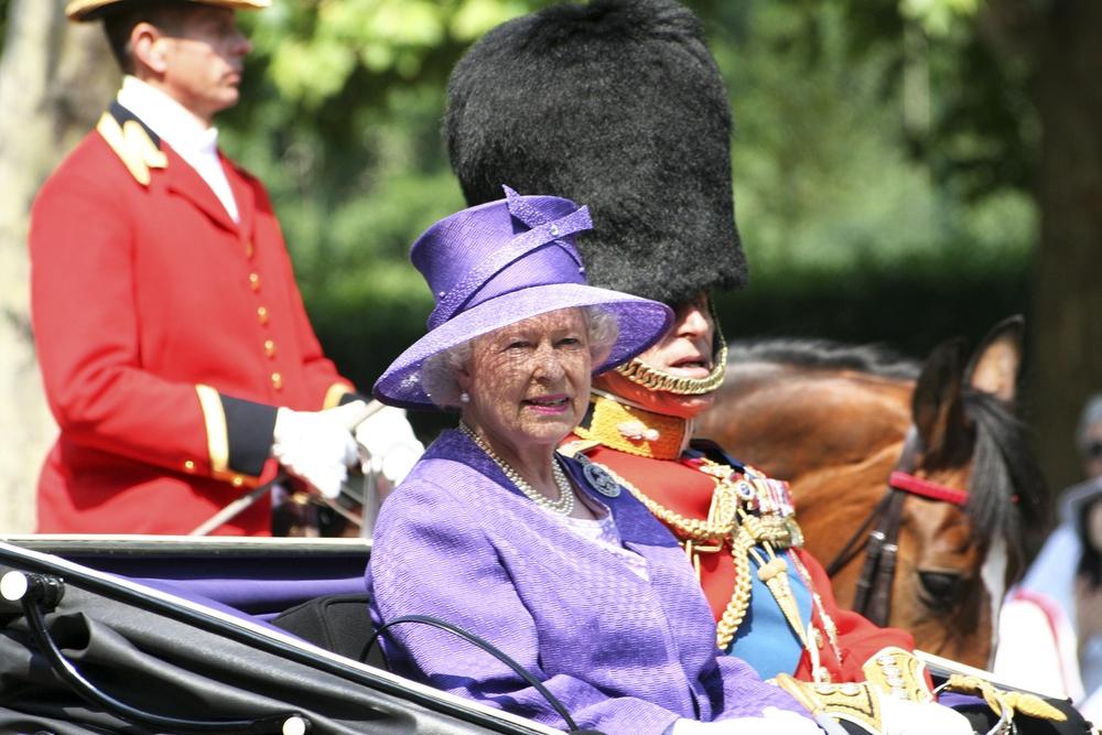 королева елизавета муж