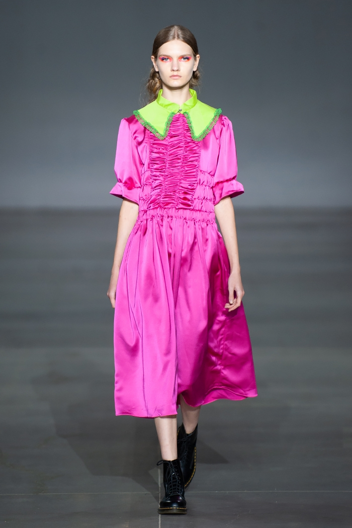Меньше ткани, больше тела: как прошел второй день Ukrainian Fashion Week noseason sept 2021 - фото №2