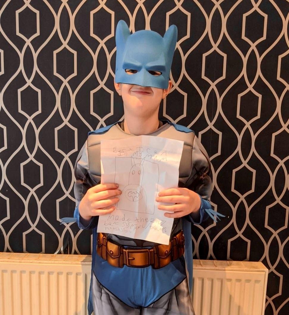 Роберт Паттинсон осчастливил 10-летнего фаната, сделав ему сюрприз - фото №2