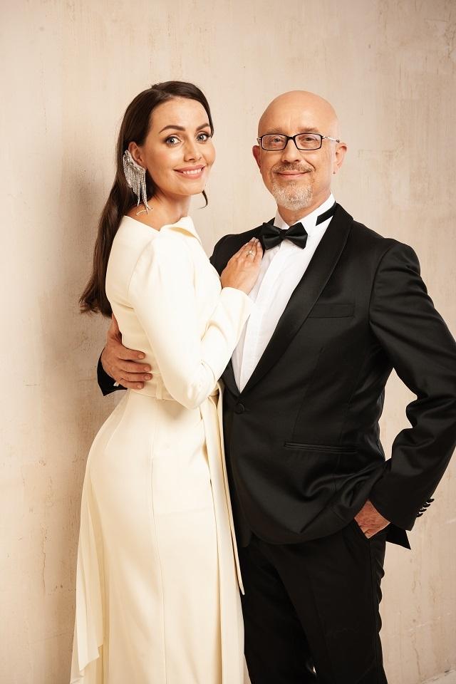Ведуча Юлія Зорій вийшла заміж: дизайнерська сукня нареченої та фото з весілля - фото №2