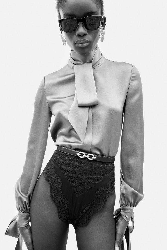 Кружевные боди и строгие костюмы: обзор новой коллекции Saint Laurent Resort 2021 (ФОТО) - фото №1