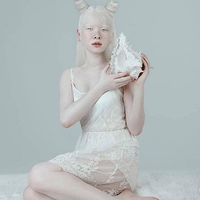 Неземные! Сестры-альбиносы из Казахстана стали востребованными моделями (ФОТО) - фото №3