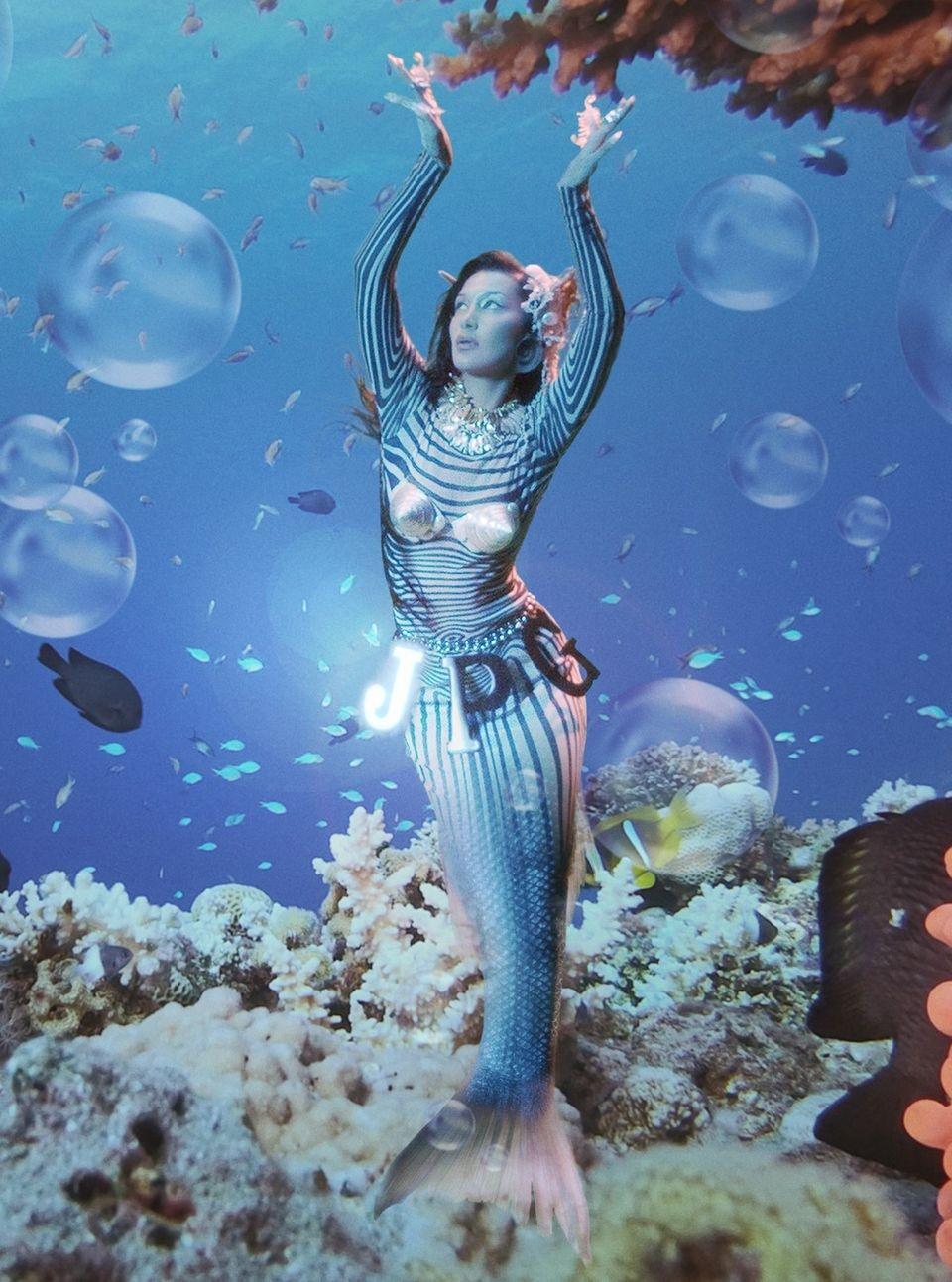 Белла Хадид в образе русалки представила новую коллекцию Jean Paul Gaultier - фото №1
