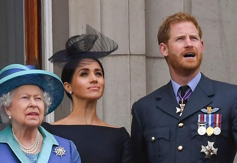 Принц Гарри и Меган Маркл попросили о встрече с Елизаветой II - фото №2