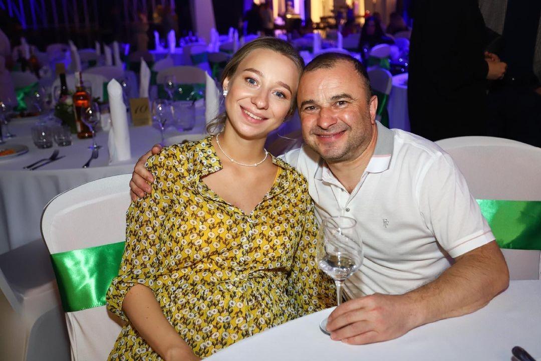Виктор Павлик стал отцом в четвертый раз: певец показал фото новорожденного сына - фото №2
