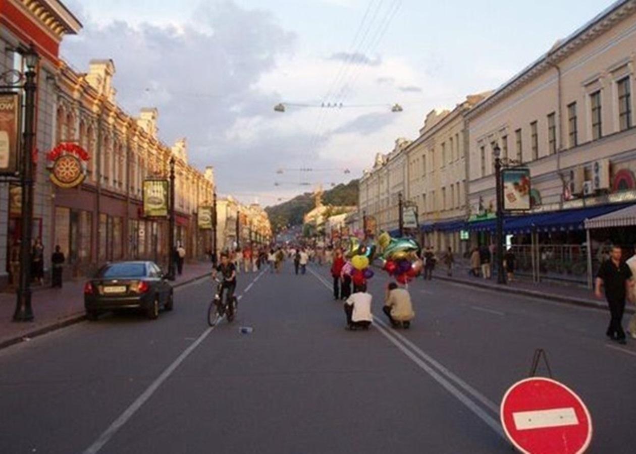 Суд признал противоправным запрет движения на Контрактовой площади и улице Сагайдачного - фото №2