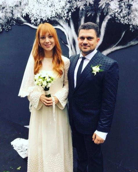 Самые яркие свадебные платья украинских звезд (ФОТО) - фото №18