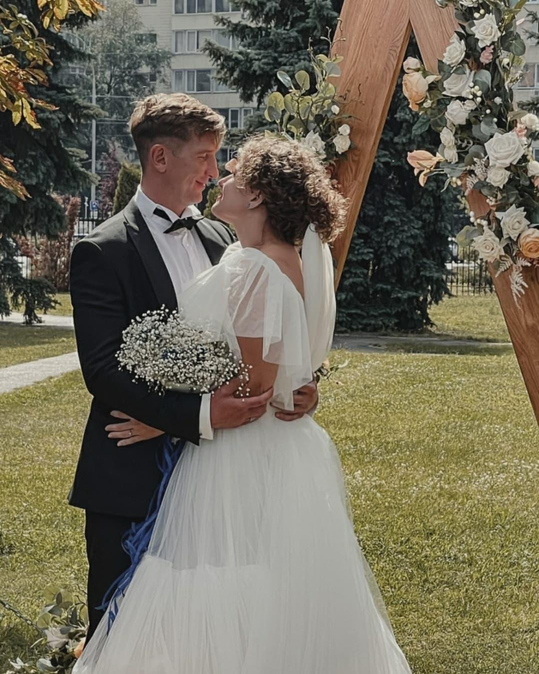 Популярные украинские актеры Дмитрий Сова и Даша Легейда поженились - фото №2