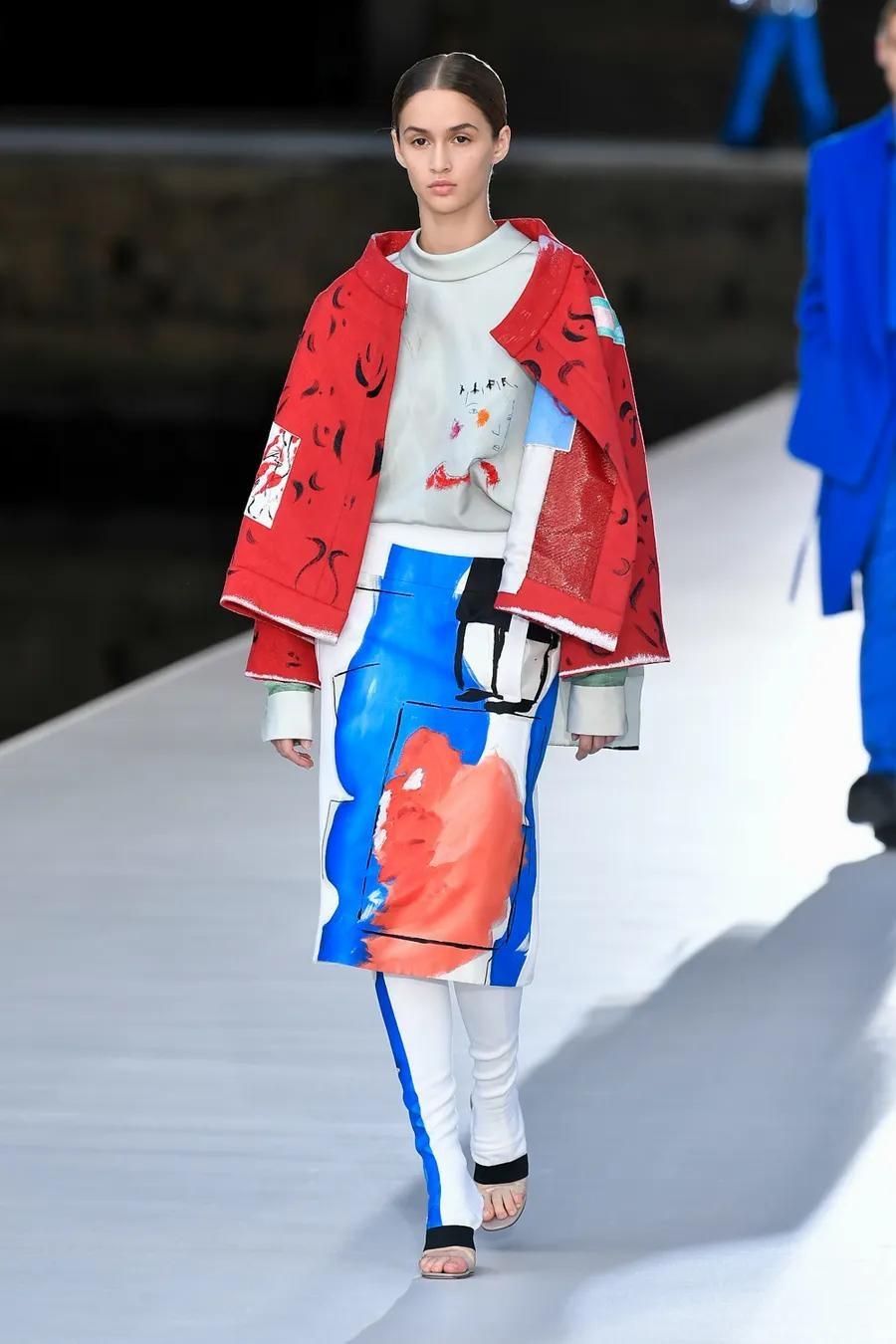 Шляпы с перьями и много цвета в новой коллекции Valentino Haute Couture (ФОТО) - фото №3