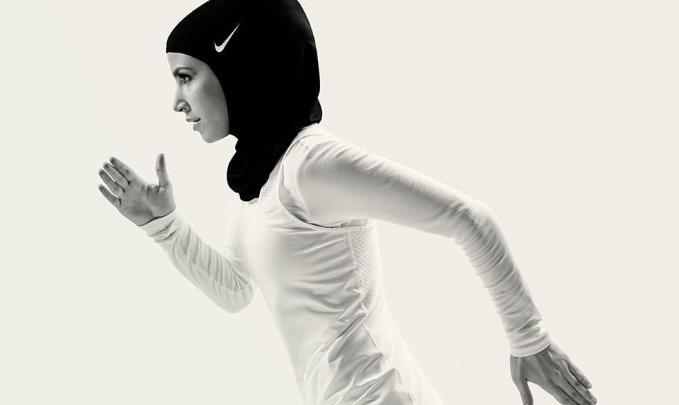 Для мусульманок: Nike выпускает коллекцию купальников-хиджабов, полностью покрывающих тело - фото №7