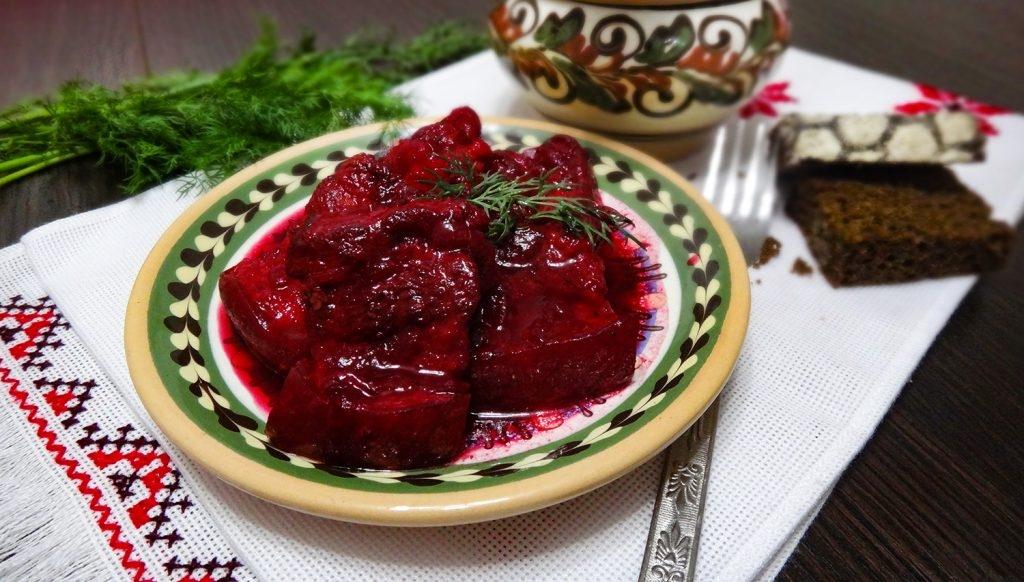Вкусная подборка: Руслан Сеничкин поделился любимыми рецептами украинских блюд ко Дню Независимости - фото №2