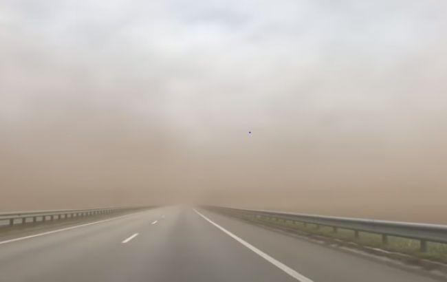 Киевскую область накрыла пылевая буря: уже есть пострадавшие (ФОТО+ВИДЕО) - фото №1