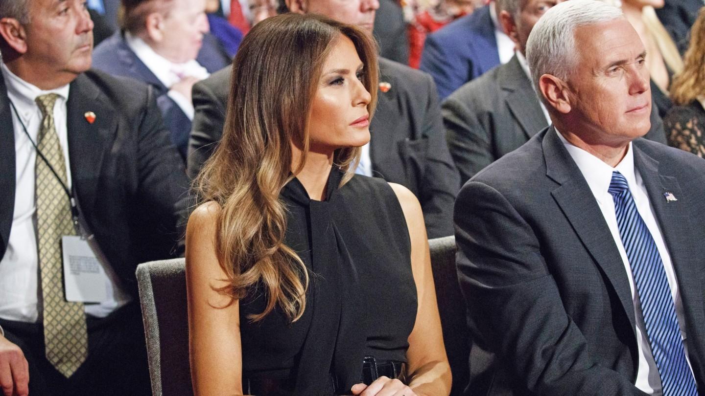 Мелании Трамп — 50! Вспоминаем лучшие образы первой леди США (ФОТО) - фото №3