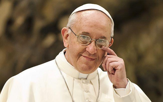 Папа Римский просит молиться за покорность искусственного интеллекта и роботов людям - фото №1