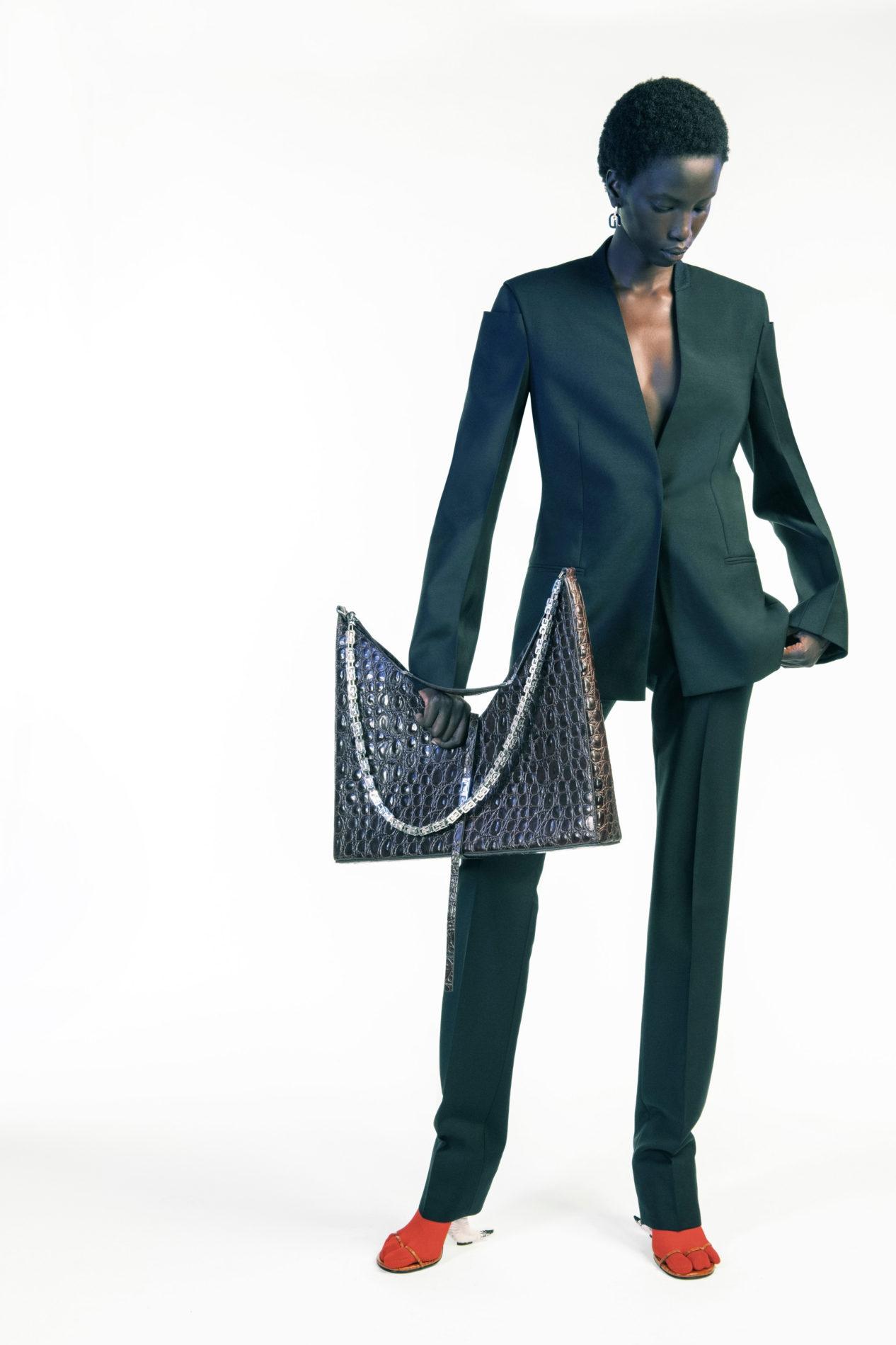 Дебют Мэтью Уильямса и пример безупречного стиля. Почему все обсуждают новую коллекцию Givenchy (ФОТО) - фото №8