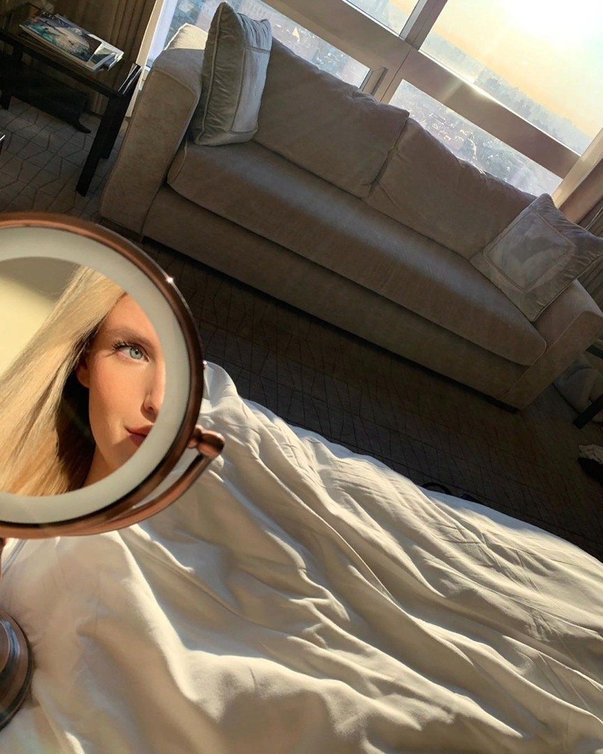 Лунный календарь стрижек на январь 2020 года: благоприятные дни для окрашивания волос и маникюра - фото №2