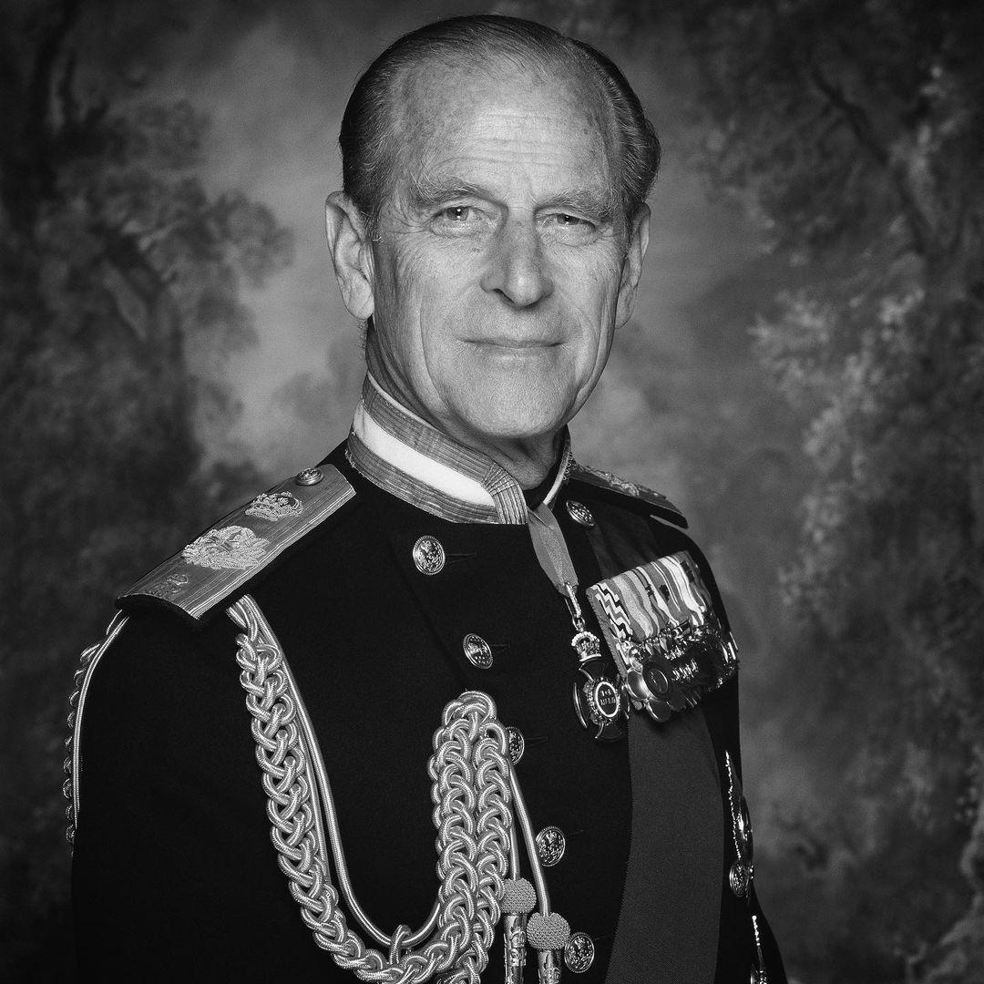 Королевская семья обнародовала снимок принца Филиппа и Елизаветы II (ФОТО) - фото №1