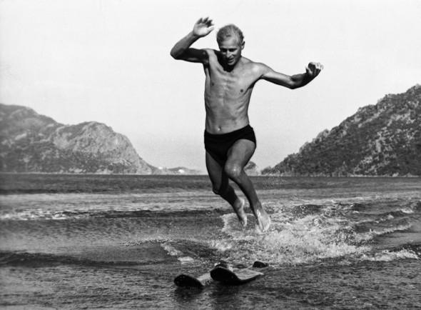 В память о покойном принце Филиппе: биография и архивные фото герцога Эдинбургского - фото №9