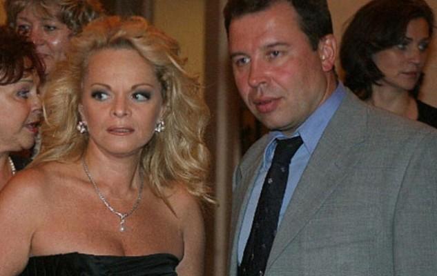 Лариса Долина развелась с мужем после 20 лет брака | HOCHU.UA