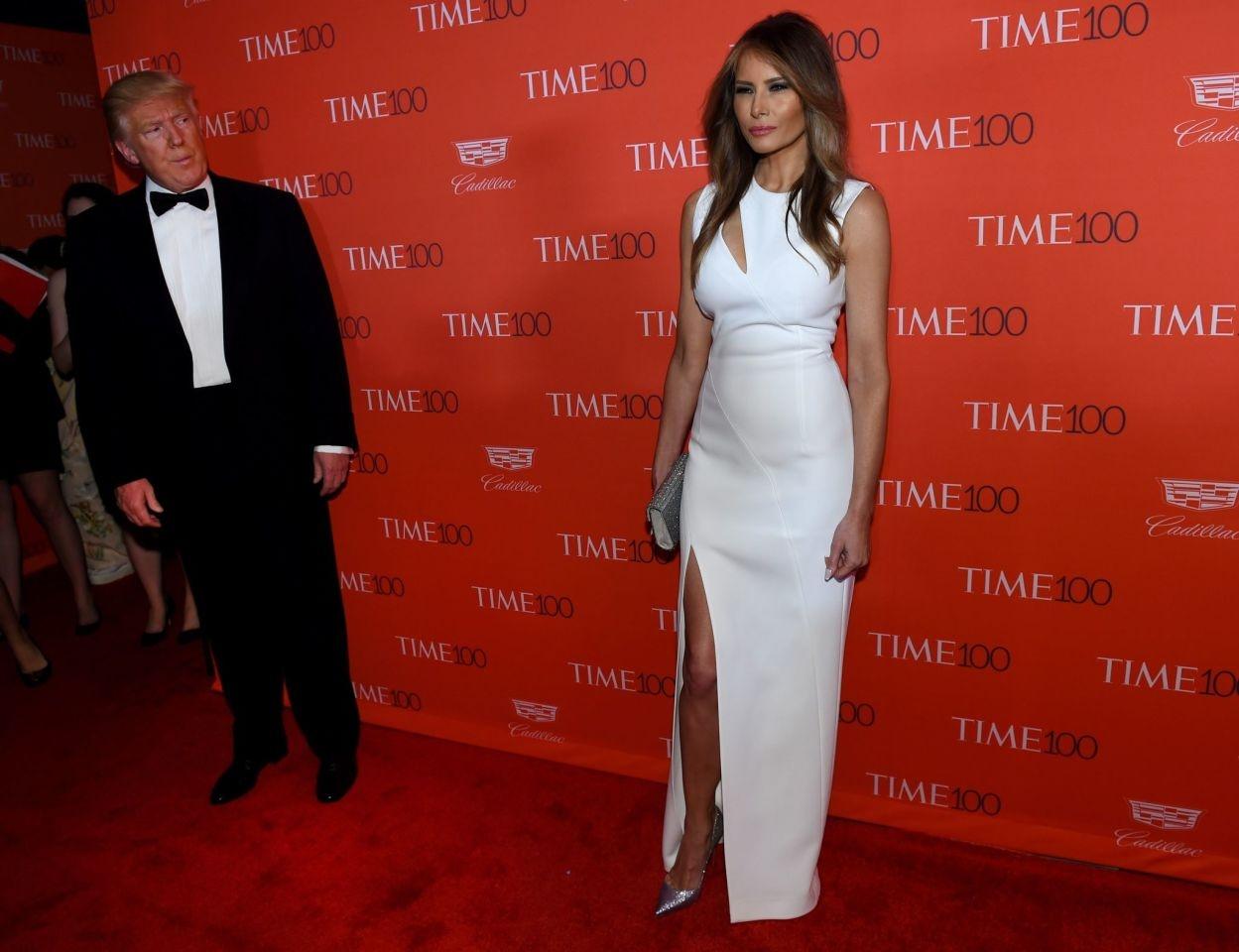 Мелании Трамп — 50! Вспоминаем лучшие образы первой леди США (ФОТО) - фото №5