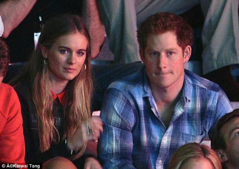 Бывшая девушка принца Гарри рассказала, почему не стала частью королевской семьи - фото №1