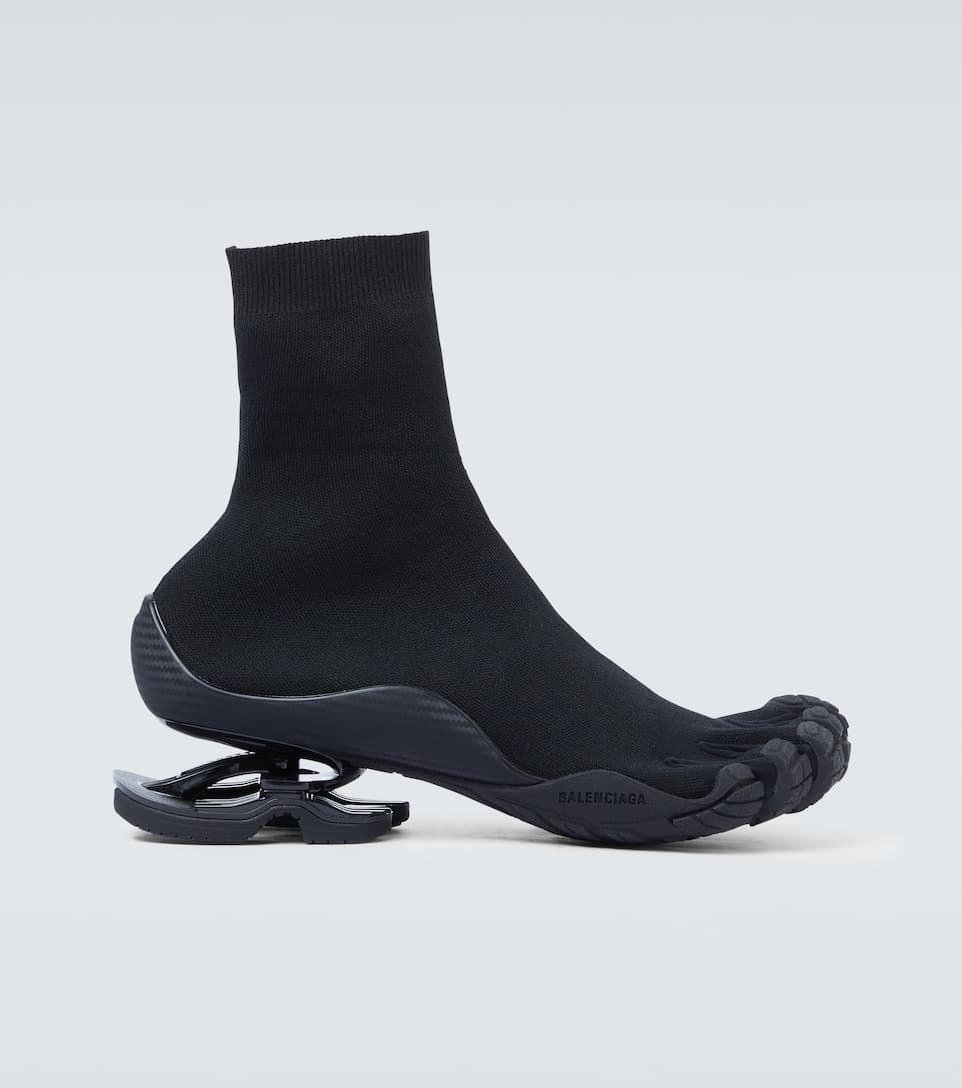 Тренд или антитренд? Balenciaga и Vibram выпустили обувь на пять пальцев (ФОТО) - фото №3