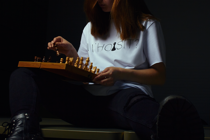 """Бренд """"ХУІЗІТ"""" анонсував вихід лімітованої колекції футболок у підтримку прав жінок - фото №1"""