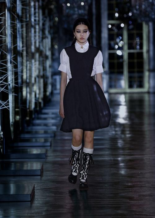 Розы, зеркала и кружевные фартуки: обзор новой коллекции Dior (ФОТО) - фото №5