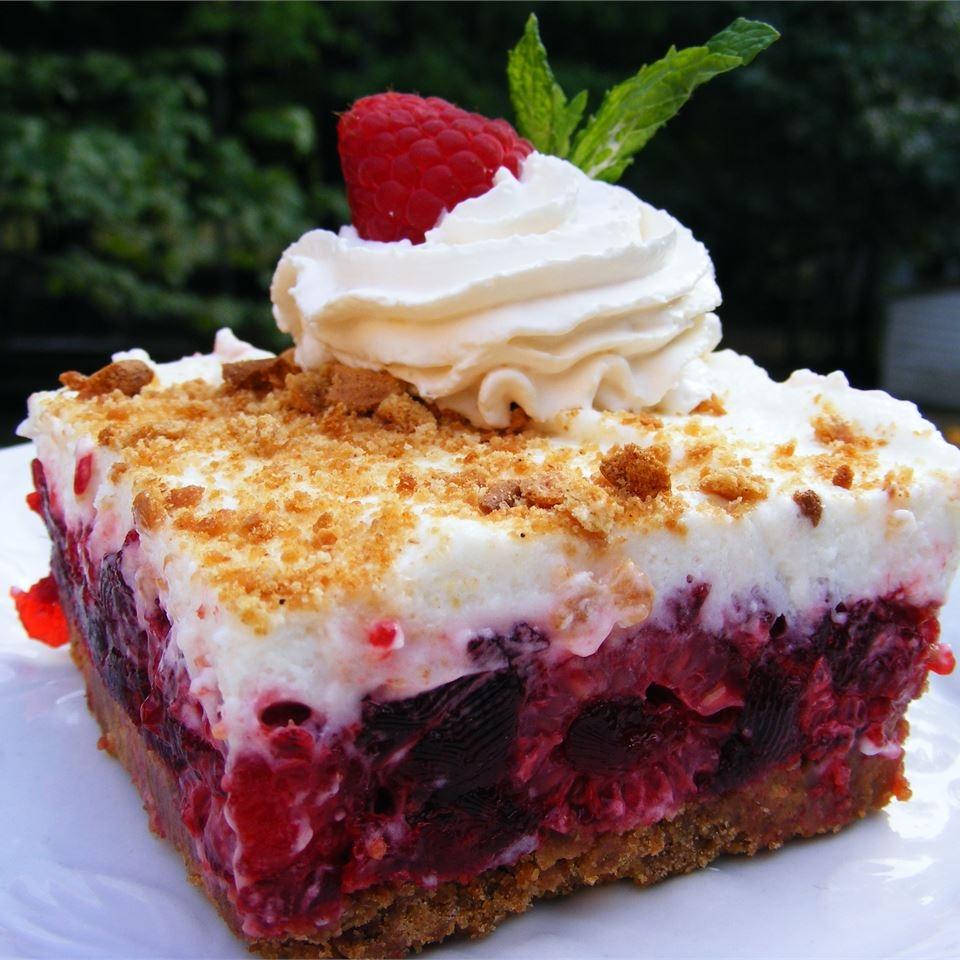 Малиновый холодный торт