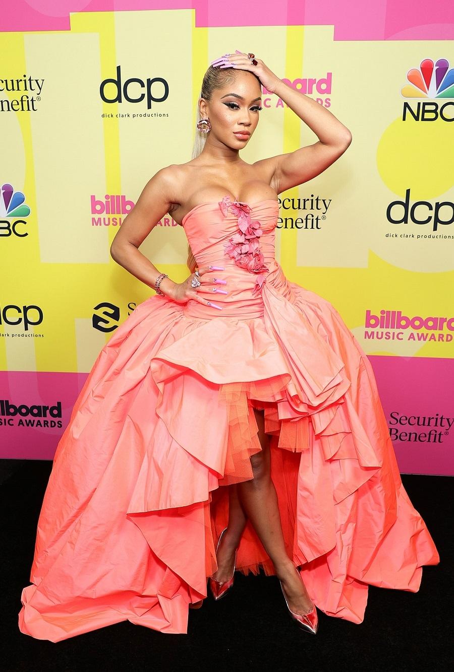 Billboard Music Awards 2021: Меган Фокс, Приянка Чопра, P!nk и другие на красной дорожке премии (ФОТО) - фото №8