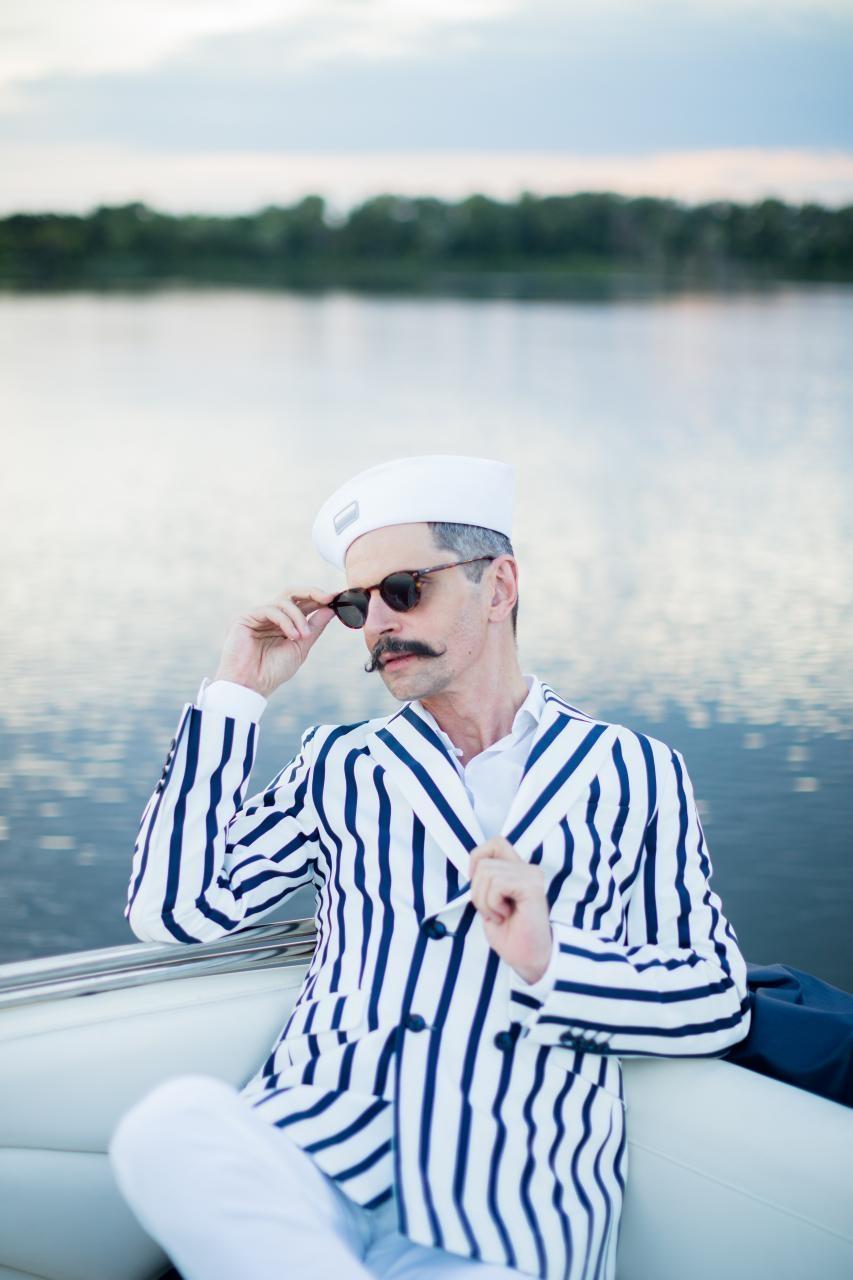 Катер-кабриолет, Днепр и романтика: Олимпия Вайтмусташ и Алексей Гладушевский стали лицами Sparkling Boat Kyiv - фото №4