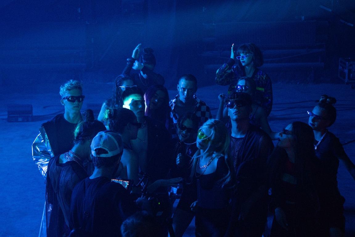 """Обнаженная и дерзкая: Анна Тринчер объявила о своем новом творческом этапе бэнгером """"По Губам"""" - фото №3"""