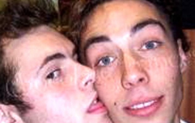 братья геи форум